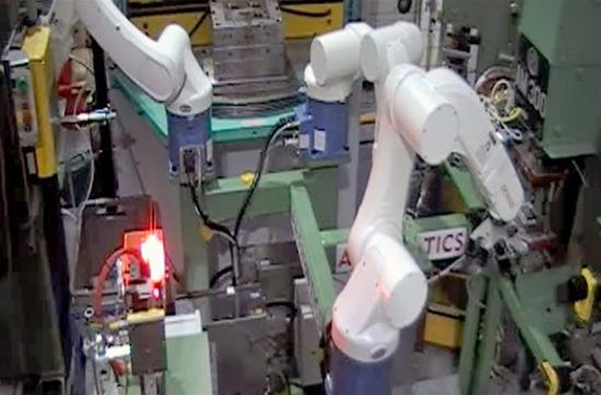 Special Purpose Robot De- Moulding
