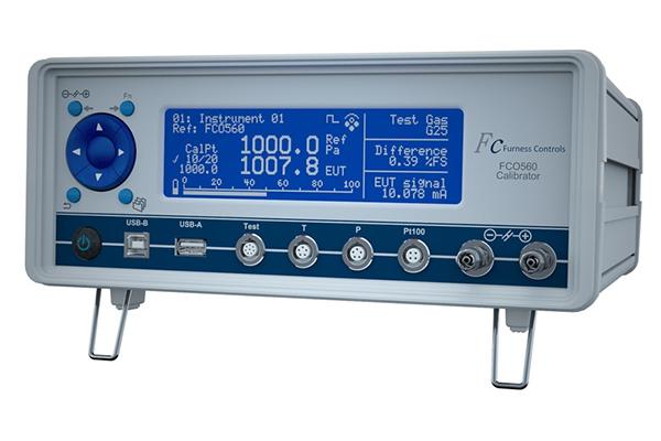 Portable Calibrator and Precision Manometer