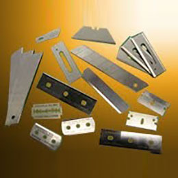 razor blades and stanley knives
