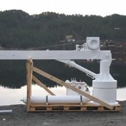 mob boat cranes