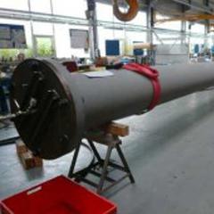 Hydraulic cylinder components
